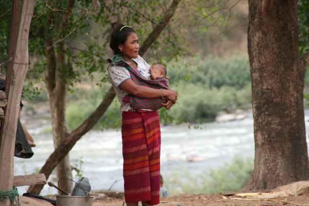 Kvinne i Sepon, Laos
